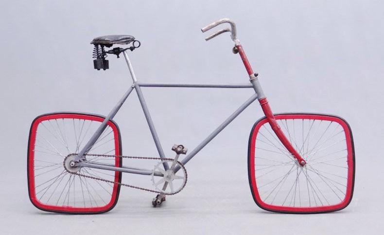 重新发明轮子通常会导致奇怪的结果